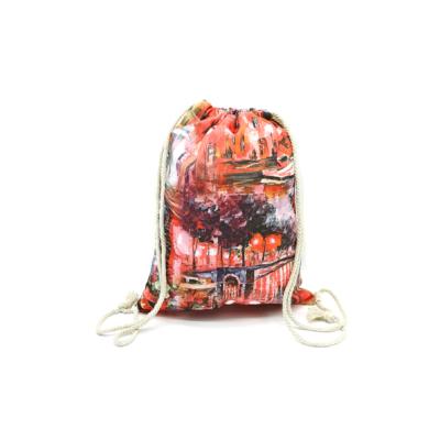 Női-hátizsák-divat-tornazsák-festett-utcakép-korallpiros-pakkolj-hu