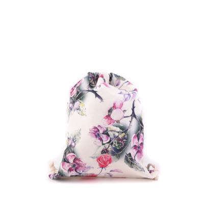 Női-hátizsák-divat-tornazsák-ekrü-rózsa-mintával-pakkolj-hu